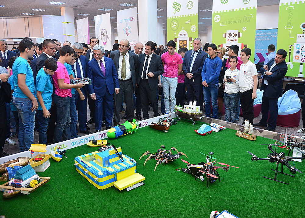 President visited DigiTech Expo-2016 technological exhibition